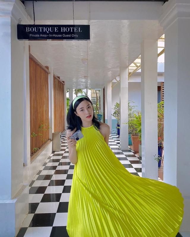 Có 5 kiểu váy các sao Việt đang diện tới diện lui, bạn cứ sắm theo là mặc đẹp nguyên hè - Ảnh 6.