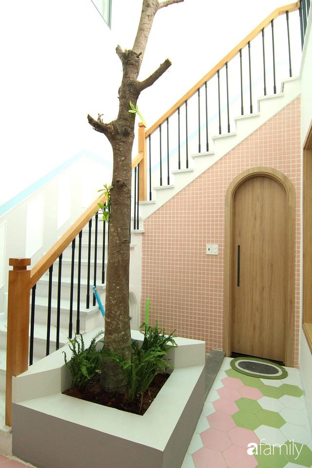 Căn nhà phố bên ngoài thì giản dị nhưng bên trong lại vô cùng sinh động ở Sài Gòn - Ảnh 9.