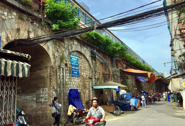 Hà Nội triển khai giai đoạn 2 đục thông vòm cầu Phùng Hưng, mở rộng không gian phố cổ - Ảnh 12.