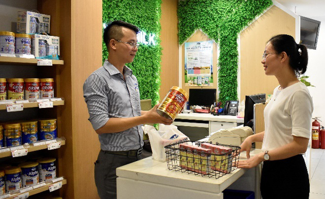 Vinamilk giới thiệu sữa bột trẻ em có tổ yến mới, giúp bố mẹ cải thiện thể trạng cho bé - Ảnh 1.