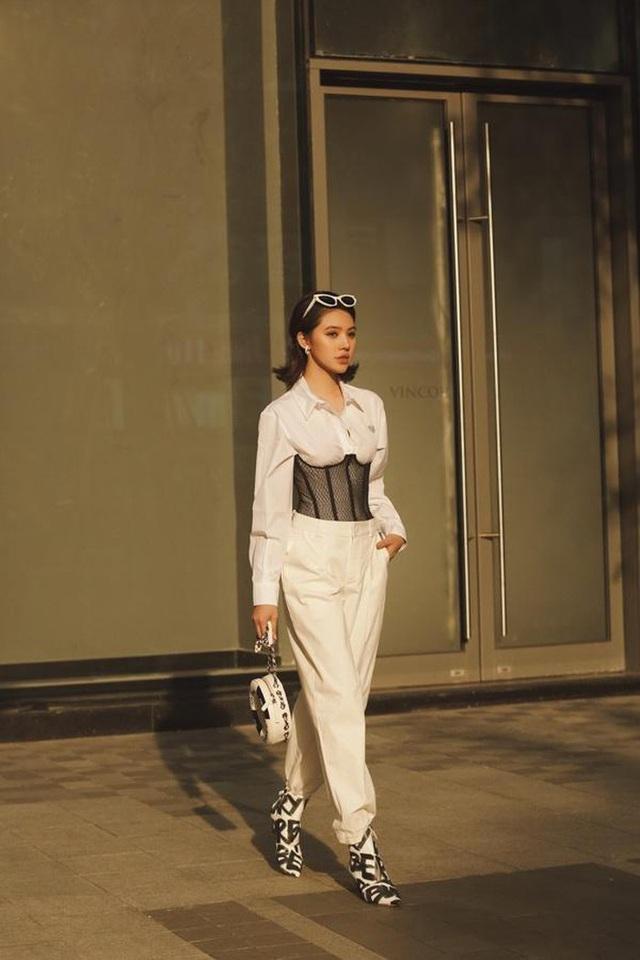 Bộ sưu tập đồ hiệu khủng của hoa hậu richkid Jolie Nguyễn, món đắt nhất là 300 triệu đồng khiến fan mắt tròn mắt dẹt - Ảnh 9.