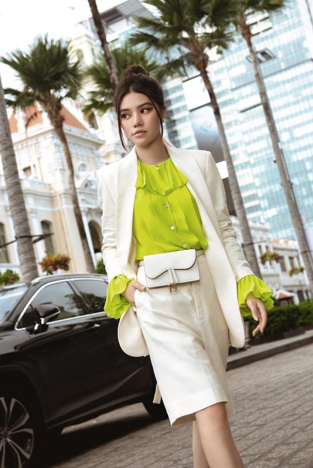 Bộ sưu tập đồ hiệu khủng của hoa hậu richkid Jolie Nguyễn, món đắt nhất là 300 triệu đồng khiến fan mắt tròn mắt dẹt - Ảnh 8.