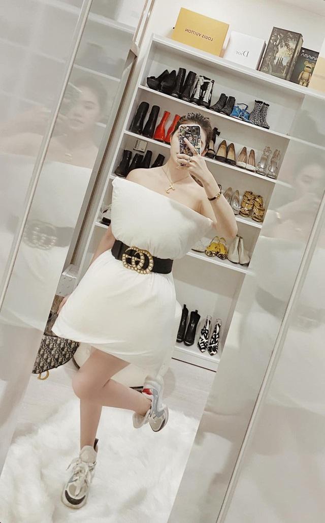 Bộ sưu tập đồ hiệu khủng của hoa hậu richkid Jolie Nguyễn, món đắt nhất là 300 triệu đồng khiến fan mắt tròn mắt dẹt - Ảnh 13.