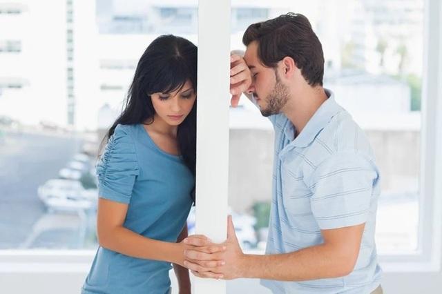 Giữ liên lạc với người yêu cũ là con dao hai lưỡi - Ảnh 1.