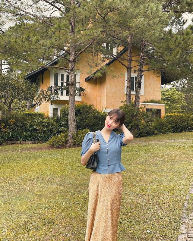 Style đi du lịch của Hương Giang thực sự xuất sắc, chị em không học hỏi là tiếc lắm cho xem! - Ảnh 4.