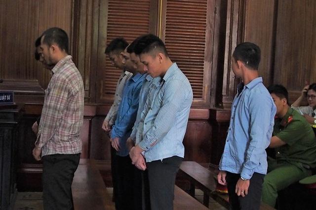 Vụ bé trai 13 tuổi bị chém chết khi xông vào cứu cha: Tuyên án nhóm côn đồ - Ảnh 1.