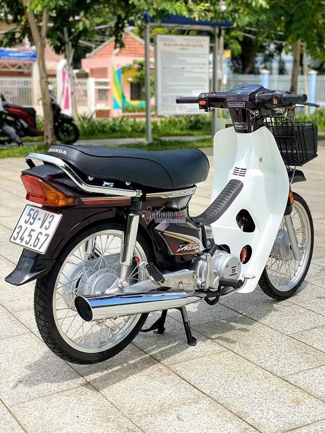 Honda Dream Việt 12 năm tuổi biển số VIP giá hơn 200 triệu đồng - Ảnh 3.