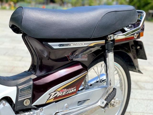 Honda Dream Việt 12 năm tuổi biển số VIP giá hơn 200 triệu đồng - Ảnh 5.