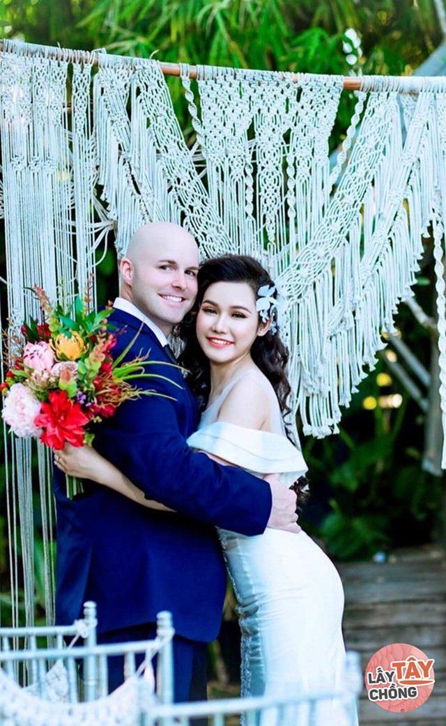 Lần gặp đầu bị 9X Quảng Ngãi úp đĩa đồ ăn, ngày cưới rể Mỹ chấp hết họ nhà gái - Ảnh 1.