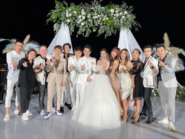 Tình bạn hơn 10 năm trong showbiz của nhóm gia đình văn hóa Đông Nhi - Ông Cao Thắng - Ảnh 14.