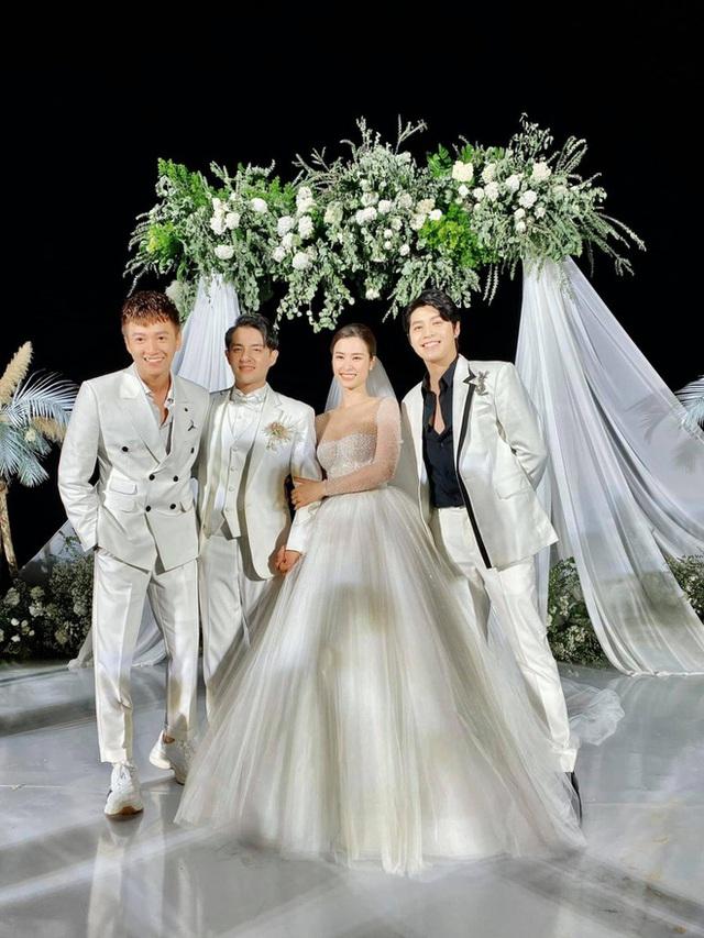 Tình bạn hơn 10 năm trong showbiz của nhóm gia đình văn hóa Đông Nhi - Ông Cao Thắng - Ảnh 10.