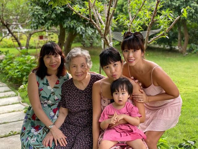 Siêu mẫu Hà Anh khoe ảnh 4 thế hệ quây quần trong kỳ nghỉ dưỡng ở resort - Ảnh 5.