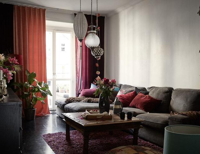 Căn hộ chỉ vọn vẻn 58m² nhưng nhờ gam màu đặc biệt này khiến cả không gian đẹp như khách sạn 5 sao  - Ảnh 1.