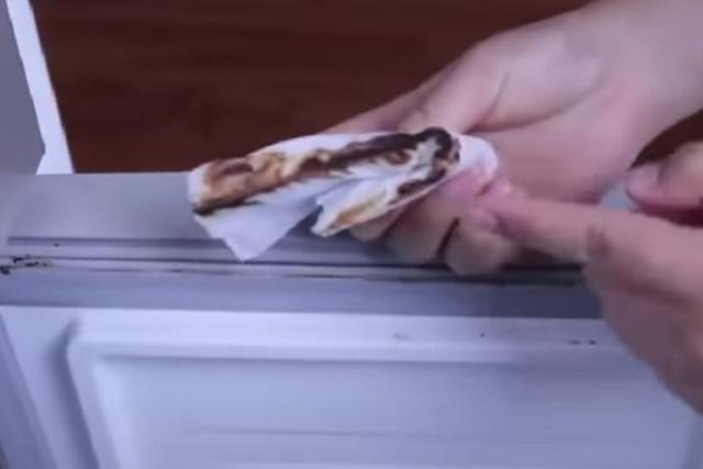 Làm sạch bong gioăng tủ lạnh bằng mẹo cực đơn giản, vừa nhàn vừa dễ đánh tan vi khuẩn - Ảnh 9.