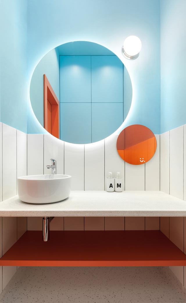 Những bí mật trang trí tường phòng tắm tạo nên không gian vui nhộn, đặc sắc - Ảnh 10.