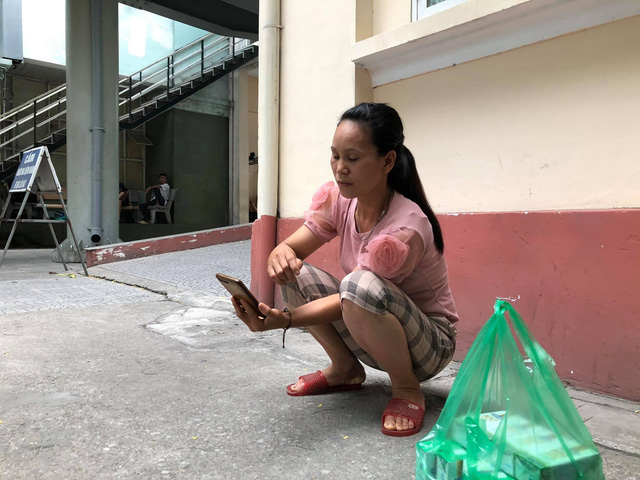 Người phụ nữ đưa tài xế Grab bị đâm trọng thương đi cấp cứu nói về thông tin lợi dụng người hoạn nạn để trục lợi - Ảnh 3.
