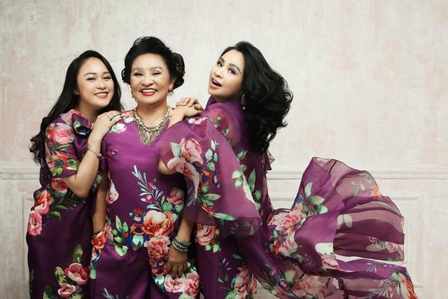 Loạt ảnh hạnh phúc của ba thế hệ nhà Thanh Lam - Ảnh 3.