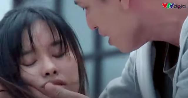 Lựa chọn số phận: Huỳnh Anh tái mặt khi đưa cô gái trẻ đi chơi nhưng giữa đường bị ngất xỉu vì đau tim - Ảnh 6.