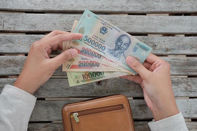 Tự tiện lục ví lấy tiền của chồng là vợ tự hạ thấp mình - Ảnh 4.