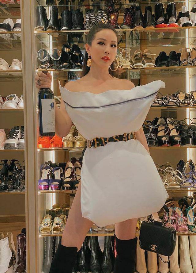 Soi tủ giày của các nàng Hậu, Kỳ Duyên nhiều như núi còn HHen Niê vỏn vẹn vài đôi - Ảnh 8.