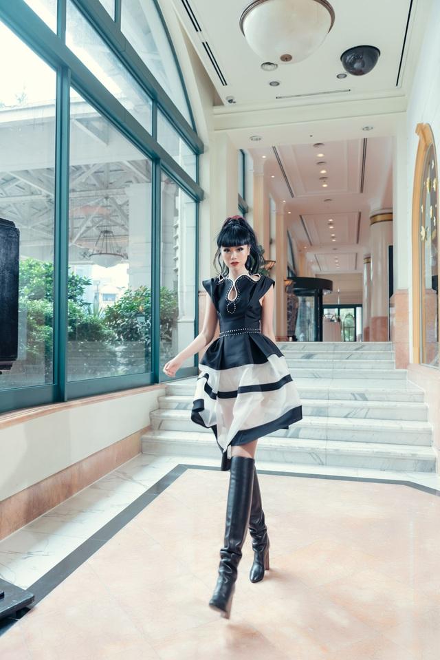Siêu mẫu quốc tế Jessica Minh Anh đưa du lịch Việt Nam lên các kênh truyền thông CNN, BBC, Fox - Ảnh 1.