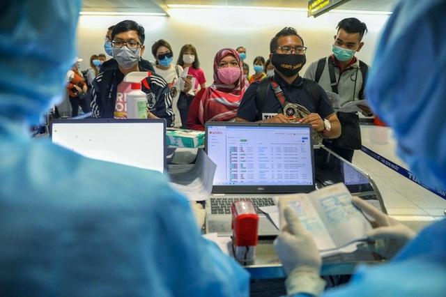 3.000 người nước ngoài được cấp phép vào TP HCM - Ảnh 1.