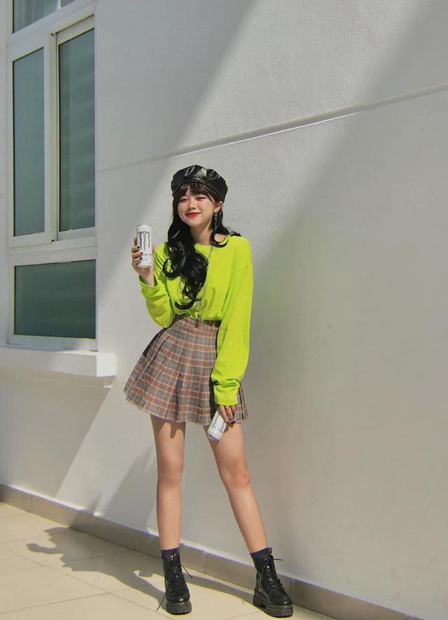 Nữ sinh Đại học Hà Nội từng lên trang tin quốc tế, nói được 3 thứ tiếng, ngoài đời có phong cách vừa sexy vừa chất - Ảnh 3.