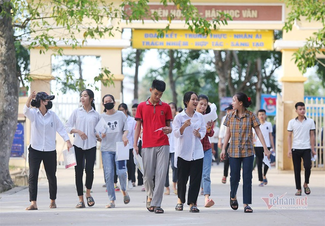 Thủ khoa thi vào lớp 10 ở Nghệ An là nữ sinh trường huyện - Ảnh 1.