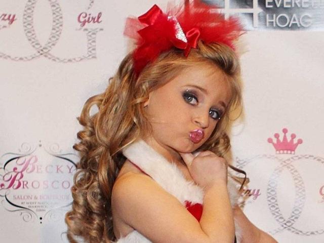 Tuổi thơ bất thường của hoa hậu nhí Mỹ thành triệu phú năm 6 tuổi - Ảnh 4.