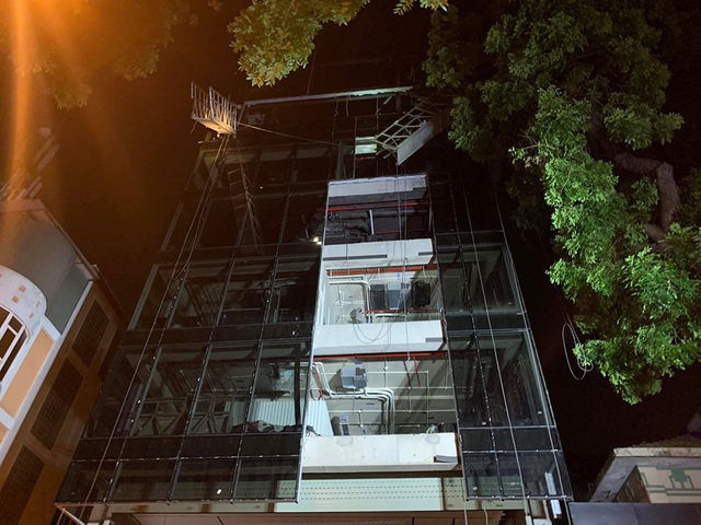 Hà Nội: Xảy ra tai nạn lao động trong đêm tại công trường đang thi công, 4 người thương vong - Ảnh 2.