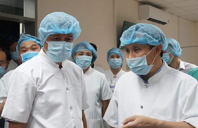 Thứ trưởng Bộ Y tế Nguyễn Trường Sơn cùng Bộ chỉ huy tiền phương lên đường vào Đà Nẵng - Ảnh 2.