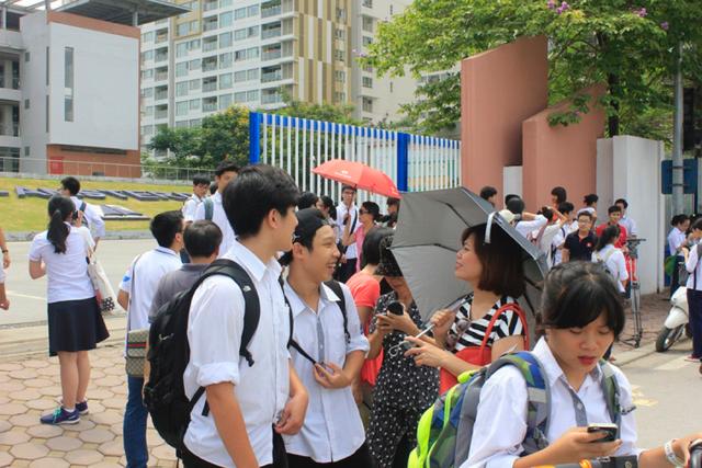 Hà Nội công bố điểm chuẩn vào 10, học sinh có thể thay đổi nguyện vọng trúng tuyển hết ngày 5/8 - Ảnh 3.
