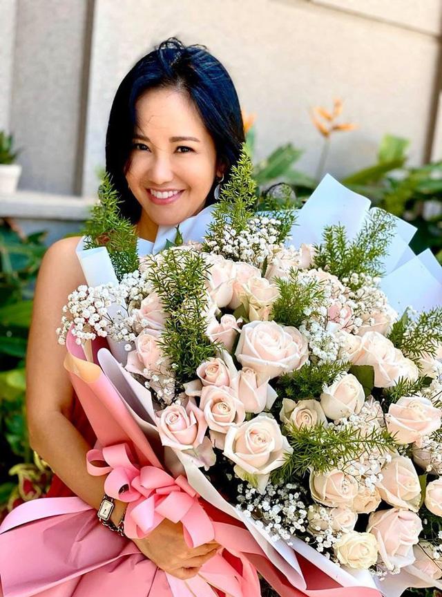 Đời tư diva Việt: Thanh Lam, Hồng Nhung tuổi 50 vẫn yêu nồng nhiệt - Ảnh 12.