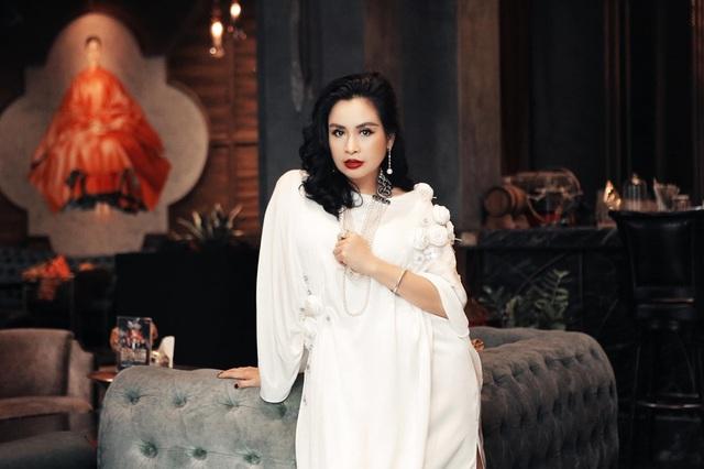 Đời tư diva Việt: Thanh Lam, Hồng Nhung tuổi 50 vẫn yêu nồng nhiệt - Ảnh 4.