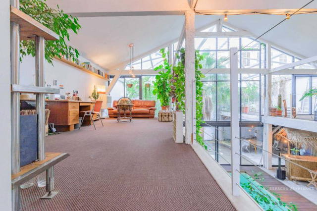 Ngôi nhà màu trắng sở hữu cây xanh và bể bơi bên trong giống như resort nghỉ dưỡng tuyệt đẹp - Ảnh 6.