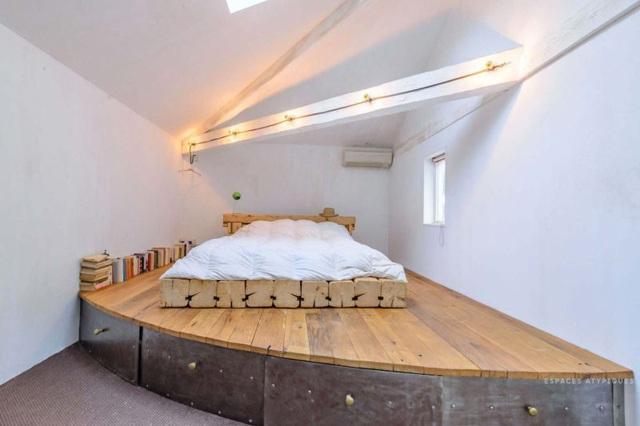 Ngôi nhà màu trắng sở hữu cây xanh và bể bơi bên trong giống như resort nghỉ dưỡng tuyệt đẹp - Ảnh 8.