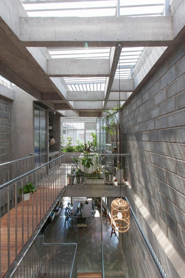 Ngôi nhà gạch khối và bê tông thoáng mát trong tiết trời nóng bức - Ảnh 8.