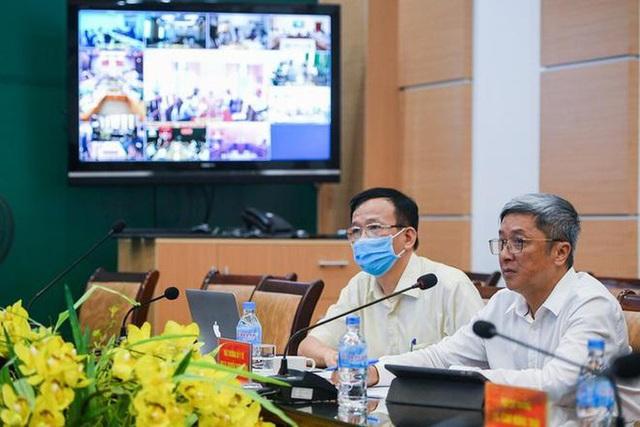 Thứ trưởng Bộ Y tế Nguyễn Trường Sơn cùng Bộ chỉ huy tiền phương lên đường vào Đà Nẵng - Ảnh 3.