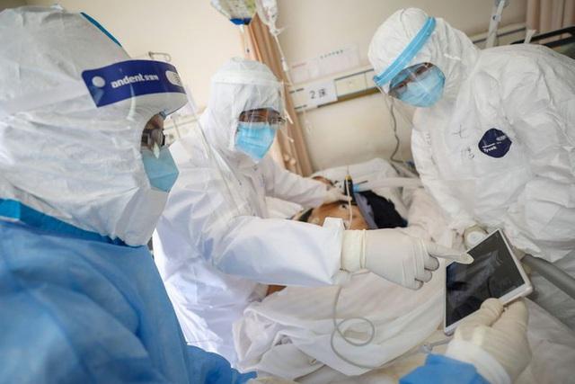 Việt Nam có ca COVID-19 đầu tiên tử vong, vì nhồi máu cơ tim trên nền bệnh lý nặng - Ảnh 2.