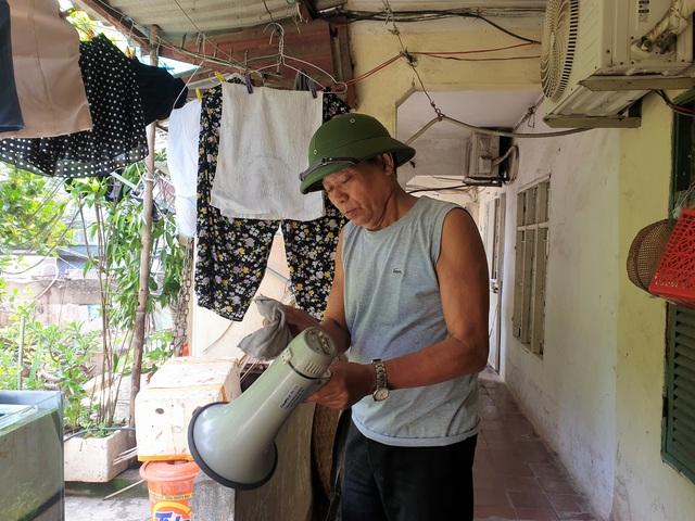 Cận cảnh căn nhà tập thể nghiêng 14 độ ở Hà Nội, hơn 200 người sốngtrong sợ hãi - Ảnh 2.