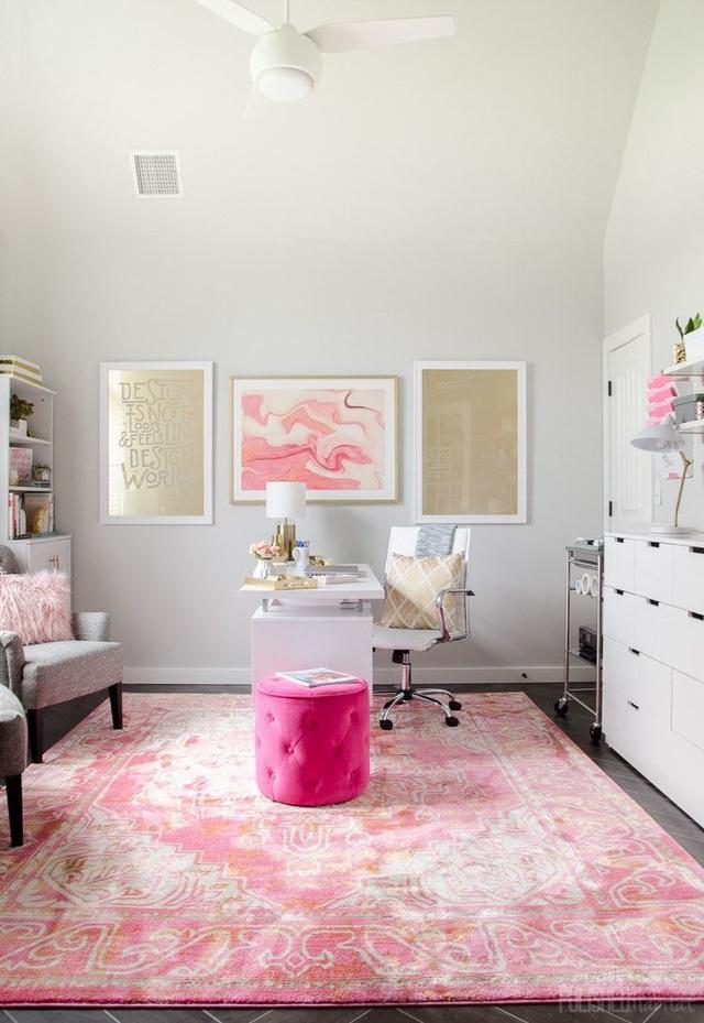 Những ý tưởng trang trí góc làm việc màu hồng ngọt ngào và mát lạnh dành cho các cô nàng đổi gió trong hè - Ảnh 11.