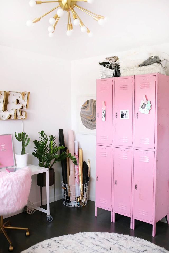 Những ý tưởng trang trí góc làm việc màu hồng ngọt ngào và mát lạnh dành cho các cô nàng đổi gió trong hè - Ảnh 3.