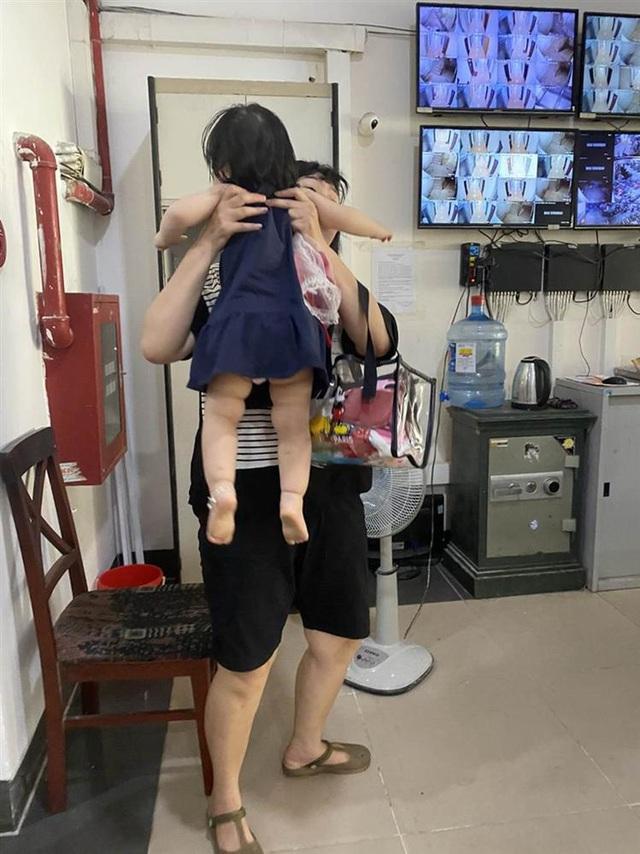 """""""Hú hồn"""" 6 người bị kẹt trong thang máy tại Chung cư 71 Nguyễn Chí Thanh - Ảnh 5."""
