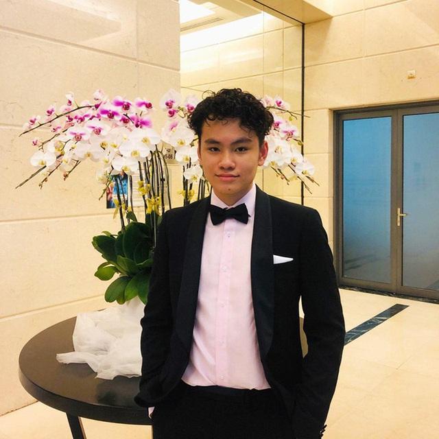 Con trai Công Lý và các quý tử  điển trai, cao nổi bật của nghệ sĩ Việt - Ảnh 12.