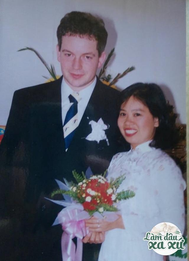 Mẹ Việt làm dâu Đức: Nhà chồng đất rộng thênh thang, cưới ở nơi sang nhất Sài Gòn - Ảnh 3.