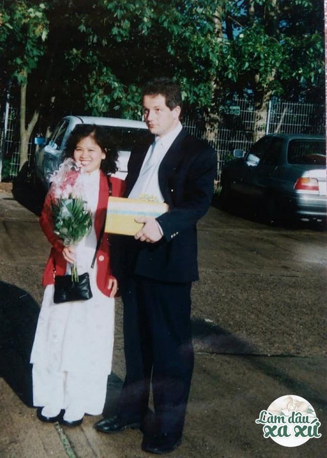 Mẹ Việt làm dâu Đức: Nhà chồng đất rộng thênh thang, cưới ở nơi sang nhất Sài Gòn - Ảnh 4.
