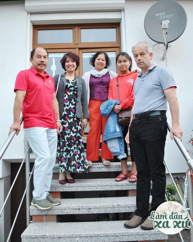 Mẹ Việt làm dâu Đức: Nhà chồng đất rộng thênh thang, cưới ở nơi sang nhất Sài Gòn - Ảnh 9.