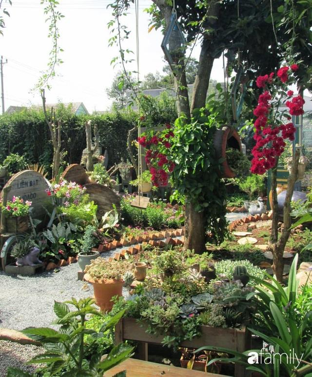 Chỉ tốn hơn 1 triệu đồng, mẹ trẻ biến hình mảnh đất nhỏ trở thành khu vườn trồng xương rồng, sen đá đẹp mê mẩn ở Đà Lạt - Ảnh 15.