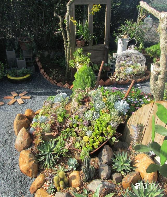 Chỉ tốn hơn 1 triệu đồng, mẹ trẻ biến hình mảnh đất nhỏ trở thành khu vườn trồng xương rồng, sen đá đẹp mê mẩn ở Đà Lạt - Ảnh 20.