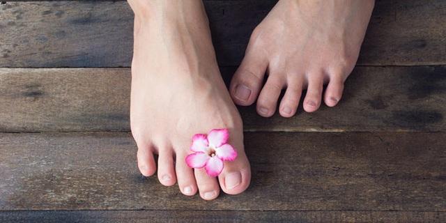 Bàn chân là bộ não thứ 2 của cơ thể: Nếu có 3 sự thay đổi này ở chân, coi chừng nhiều cơ quan nội tạng đang kêu cứu - Ảnh 2.